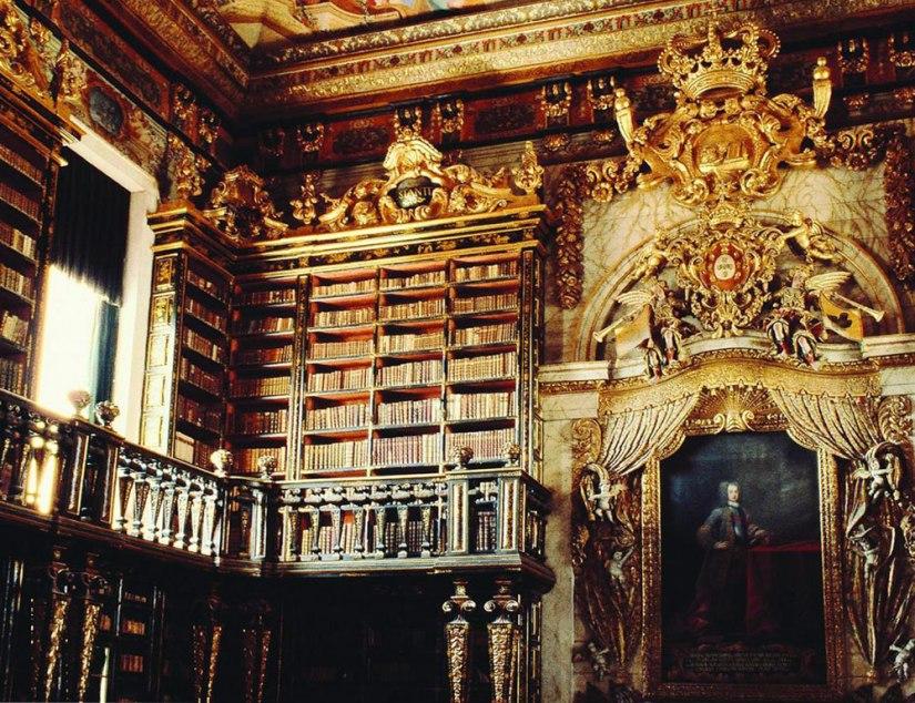 library-coimbra-interior